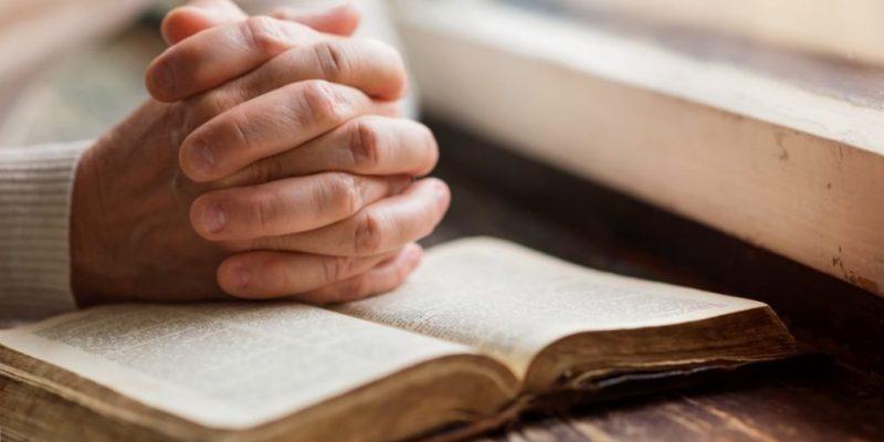 Ryki-v-molitve